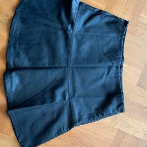 Coatet nederdel