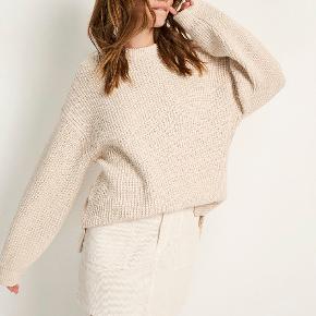 Oversize sweater - sælger også nederdelen!