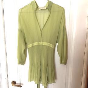 Bluse fra Malene Birger. Aldrig brugt.