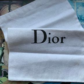 Christian Dior taske