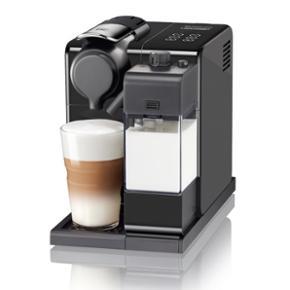 Nespresso Lattissima Touch- New ModelLattissima Touch Black Delonghi  CARACTÉRISTIQUES * Poids: 4,5 kg * Réservoir d'eau amovible: 0,9 litre * Récipient de lait frais amovible: 0,35 litre * Capacité de la capsule contenue: 9 * Plateau d'égouttement pliant pour verre Latte Macchiato * Préparations de recettes instantanées (à base de lait, eau chaude) * Mise hors tension automatique après 9 minutes * Fonction de veille automatique après 30 minutes * Dimensions (LxPxH): 17,3 x 25,8 32 cm  Lattissima Touch Black Delonghi  SPECIFICATIONS * Weight: 4.5 Kilogram * Removable water tank: 0.9 Litre * Removable fresh milk container: 0.35 Litre * Used capsule container capacity: 9 * Folding drip tray for Latte Macchiato glass * One-touch recipe preparations (milk-based, hot water) * Automatic power off after 9 mins * Automatic standby function after 30 minutes * Dimensions (WxDxH): 17,3 x 25,8 32 cm