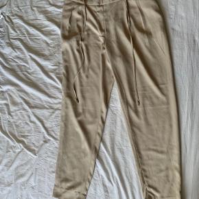 Zara bukser 2 for 110 og 4 for 200