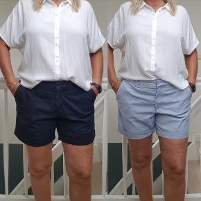 To par shorts i str 42 ( de mørke blå er str 44, men små ) de er med stræk i,  det andet par er hvid og blåstribet.  Livviden er 2x44-45 cm  BYTTER IKKE  !!!  Prisen er 100 kr for begge par  Handler mobil pay