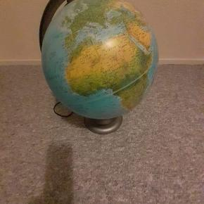 Globus med lys.