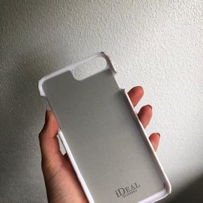 Flot cover fra ideal of sweden Iphone 8 plus  Ny pris 349 kr.