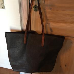 Super fed rummelig taske, som aldrig rigtig er blevet brugt