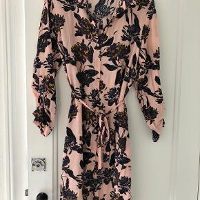Soaked in Luxury kjole eller nederdel