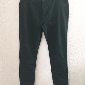 Fine flaskegrønne bukser, aldrig brugt.