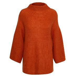 Jeg sælger denne smukke lækre sweater fra Part Two 35 % uld 32 % mohair. Super blød og varm ! sweateren er aldrig brugt, satdig med prismærke på. Nypris: 1000 ,-