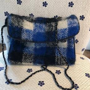 Maria La Rosa taske, nypris:2395.  Ikke interesseret i bytte, men giver 10 pct rabat via mobilepay eller ved afhentning her i Gentofte 🌸☀️🌺
