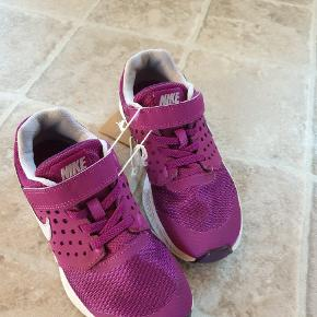 83fa99f3f304 Kondisko Nike str 31