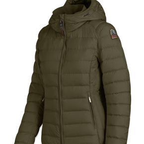 Juliet SLW. Lækker jakke. Fremstår som ny og er stadig i forretningerne til 2900. Lille i str.