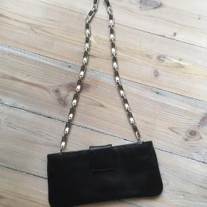 Sort Vintage taske med sølv kæde  BYD!😁