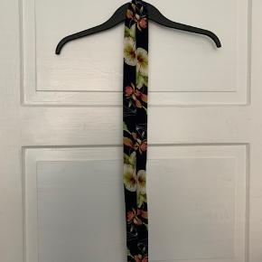 Fin blomster cardigan med bælte 🌺💐🌸
