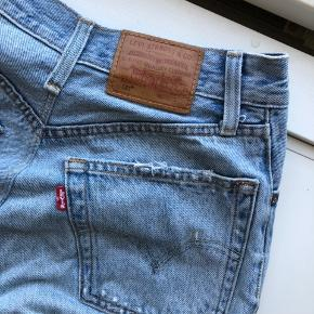 Levi's jeans i god stand 💎 Str. W25 L28 Smalt i livet