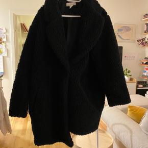 Fin vinterjakke i sort fra H&M