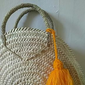 Strå taske med tassel. Ny. 40ø. Perfekt til sommer ☀