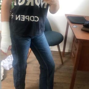 Mega flotte Zara bukser. Passer en 34/36. Bukserne er i str 36🌸