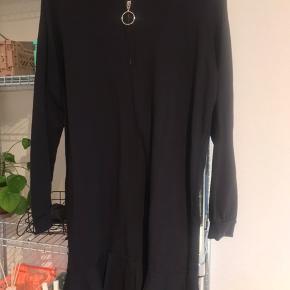 Mega Nice sweater kjole fra moves  Str s Brugt få gange  200kr
