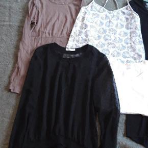 Kjole med tekst, brugt enkelte gange. Hvis t Shirt, ny aldrig brugt. Sort bluse med lange ærmer, brugt enkelte gange. Top med muslinger, brugt, men uden pletter. Beige farvet bluse, fra bæredygtigt mærke, aldrig brugt.