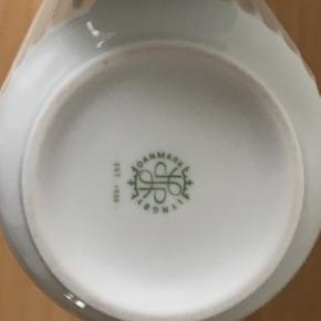Lyngby vase. 20 cm. Rigtig fin stand Afhentes i Kolding eller sendes på købers ansvar