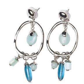 Varetype: -=NY=- MINT ØRERINGE Størrelse: 6 cm Farve: Sølv Oprindelig købspris: 500 kr.  A&C JEWELLERY MINT ØRERINGE  Håndlavet smykke fra norske A&C Jewellery Design Oslo.  Skønne øreringe med grønblå perler. Smykket er belagt med det eksklusive ædelmetal rhodium, der giver et blankt sølvhvidt udseende.  Øreringene er fra A&Cs eksklusive serie Essence. Essence er en høj kvalitets serie, hvor smykkerne er belagt med ægte rhodium eller ægte guld. Smykkerne er dekoreret med kombinationer af halvædelstene, glasperler, perler og perlemor.  Længde: ca. 6 cm  Serie: Essence Model: Mint Style: 1054-0135   Varens stand: aldrig brugt