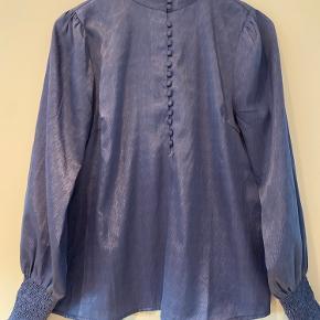 Smukkeste bluse - brugt få gange