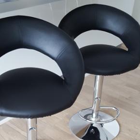 Jeg har 2 barstole til salg. Aldrig brugt. 250 kr pr stk. Står stadig pakket ind.