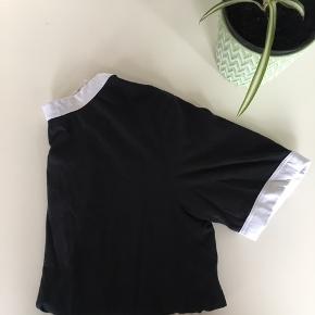 Lækker trøje fra Dr. Denim 🌼  Nypris: 249,-