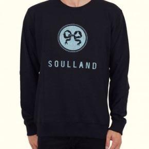 Sort Soulland sweatshirt i small. Trøjen er aldrig brugt før.  Prisen er fast!  Nypris er 1000 kr.