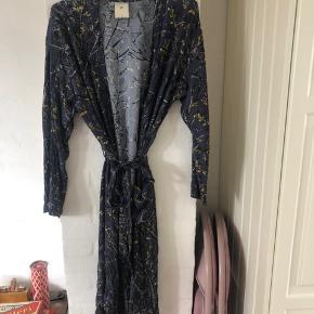 Smuk kimono  Nypris 2200kr!