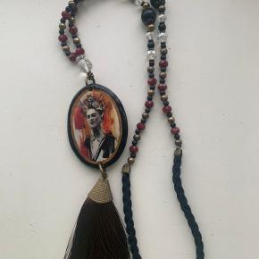 Mexicanske halskæder håndlavet, købt i Mexico på el Changarrito. 150 kr. pr. Stk. inklusiv øreringer.