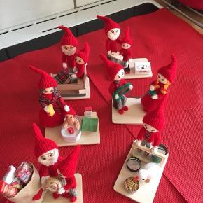 Så er de fantastiske nisser klar til Julen, og til at komme ind i jeres stuer .  Plader med 2 nisser på 50kr Afhentes i Roskilde , vil gerne sende, men minimum 2 nisse  Se også med 1 nisse på til 40kr