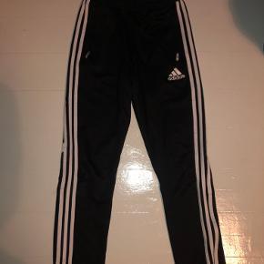 Adidas bukser til drenge og piger str. 164