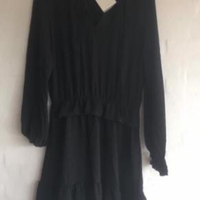 Super fin kjole fra gestuz  Desværre et fejlkøb!