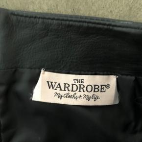 Wardrobe - skind nederdel