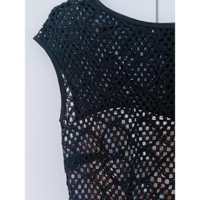 Skræddersyet kjole i str 36 (small) som kun er brugt enkelte gange.