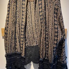 Fin blazer/ lille jakke, brugt 1 gang. #secondchancesummer