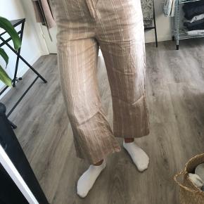 Fine bukser i størrelse 34  Næsten ikke brugt  B