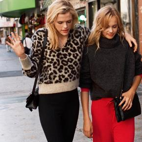 & other stories Croped leopard sweater.
