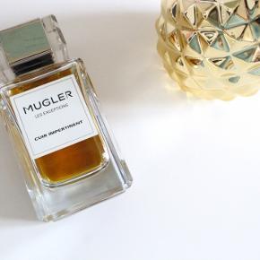 Thierry Mugler fra deres ekslusive LES EXCEPTIONS kollektion - CUIR IMPERTINENT Eau De Parfum  Fantastisk nicheduft med noter af amber, læder, tobak og anis . En drøm af en duft. 80ml i original æske, kun brugt meget lidt, 78-79ml fuld, i perfekt stand. Købspris 1295kr