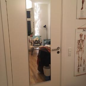 Spejl fra ikea til at hænge på døren :) kan afhentes på Frederiksbjerg Aarhus C