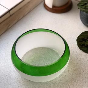 Fin glasskål med grøn kant!