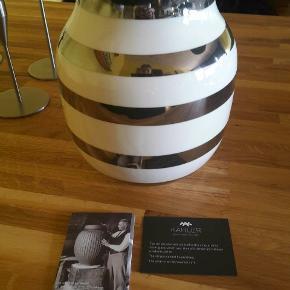 Flot Kâhler Omaggio Sølv Vase 20 cm sælges, fejler intet, nypris 349 kr.
