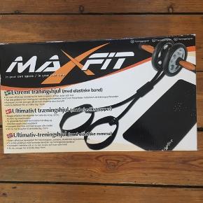 Træningshjul med elastik og måtte fra Max Fit. God til at træne krop, arme, skuldre og mave. Næsten som ny! Sender ikke.