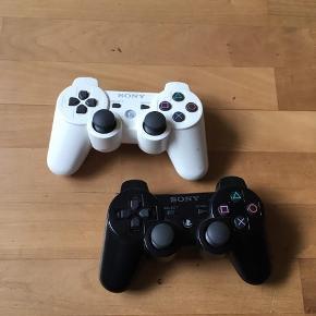 2 controllere til PlayStation 3 fungerer 100 % Samlet pris 250 kr eller 150 kr pr stk Kan sendes / evt hentes Esbjerg 6715