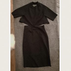 T by Alexander Wang mini fitted dress. Model nr: 402410F15. Used only one time, looks like absolutely new. Bought it in 2016 (at Alexander Wang) Size S (36). Black color. The new price was 465eur, so around 3500dkk. Everywhere sold out