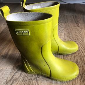 Fine gummistøvler fra Pom pom i str 30. Brugt en sæson.