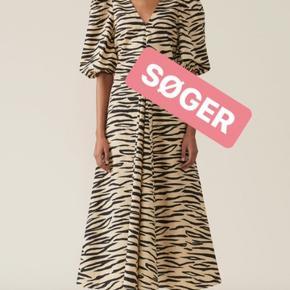 Søger denne smukke kjole fra Ganni i en størrelse 34 eller 36 🙏🙏🙏