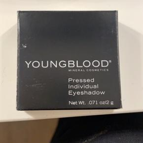 Aldrig brugt YOUNGBLOOD - Pressed Individual Eyeshadow i farven - JEWEL 🌸🌸🌸  Np 210,- Mp 100,-